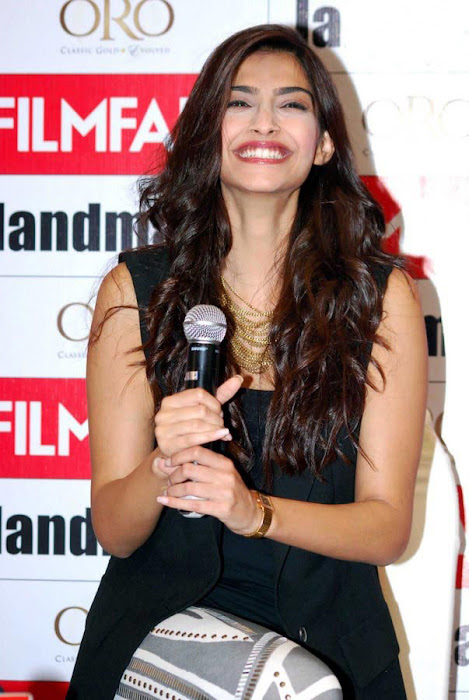 bollywood sonam kapoor photo gallery