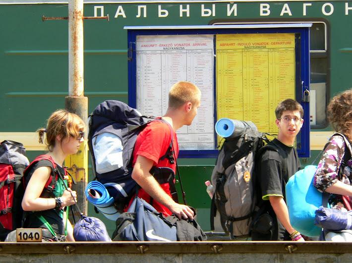 túristák nagykanizsa orosz vonat cirill betűk