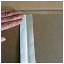 Gunakan kertas bergambar atau hiasan lain untuk menutupi kertas karton ...