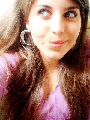 Fotos Morena De Olhos Verdes Camera Fake Mulheres