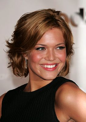 New Hairstyle 2012 Cute Short Layered Hairstyles Mandy Moore 2010