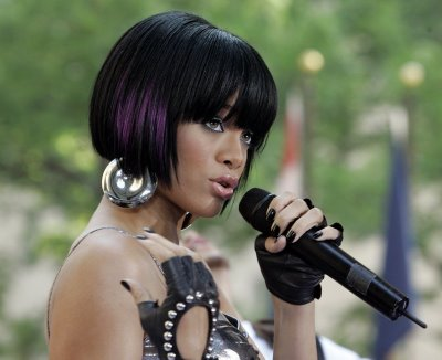 pictures of rihanna hairstyles 2011. house Rihanna Hairstyles 2011.