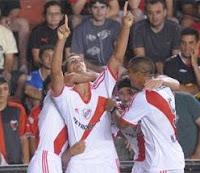 Lamela grita su primer gol en la primera de River Plate vs Colon