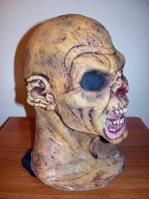 Patung Paling Menyeramkan Coole-masken-12