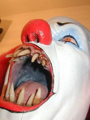 Patung Paling Menyeramkan Coole-masken-09