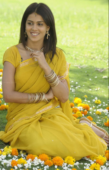 [Genelia-Yellow-Saree.jpg]