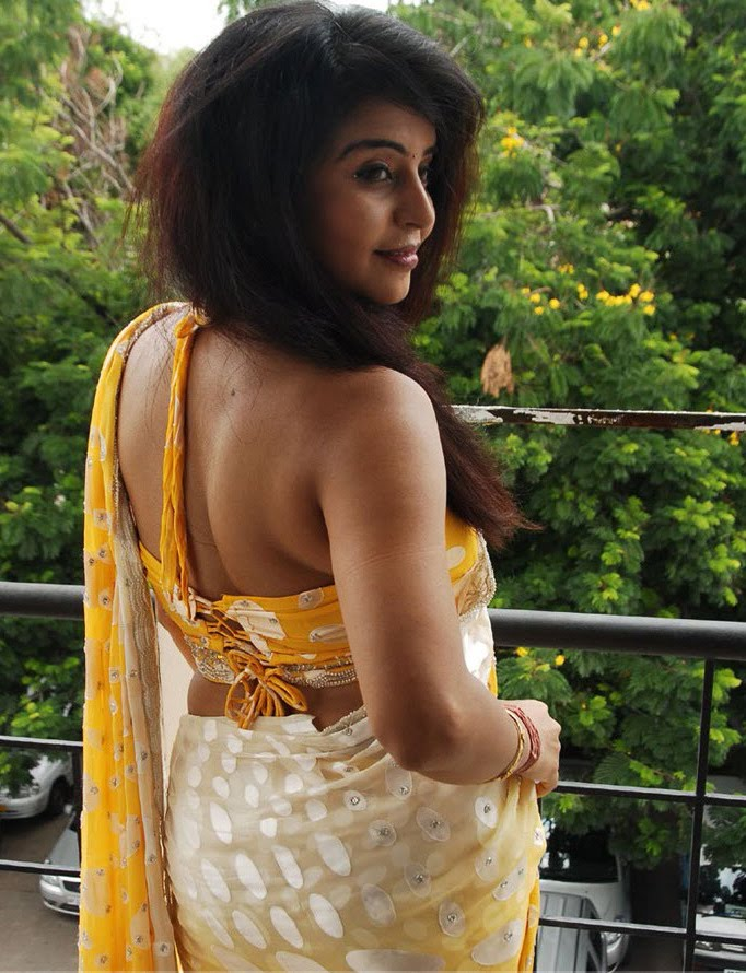 Prachi : Saree Blouse Design ...