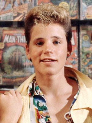 Ídolo adolescente dos anos 80 e paixão da minha irmã, Corey passou ...