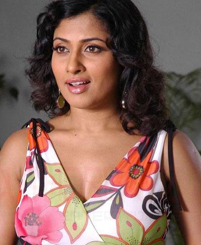 at Sunday, June 27, 2010, in Labels: Tamil Actress Malavika Profile