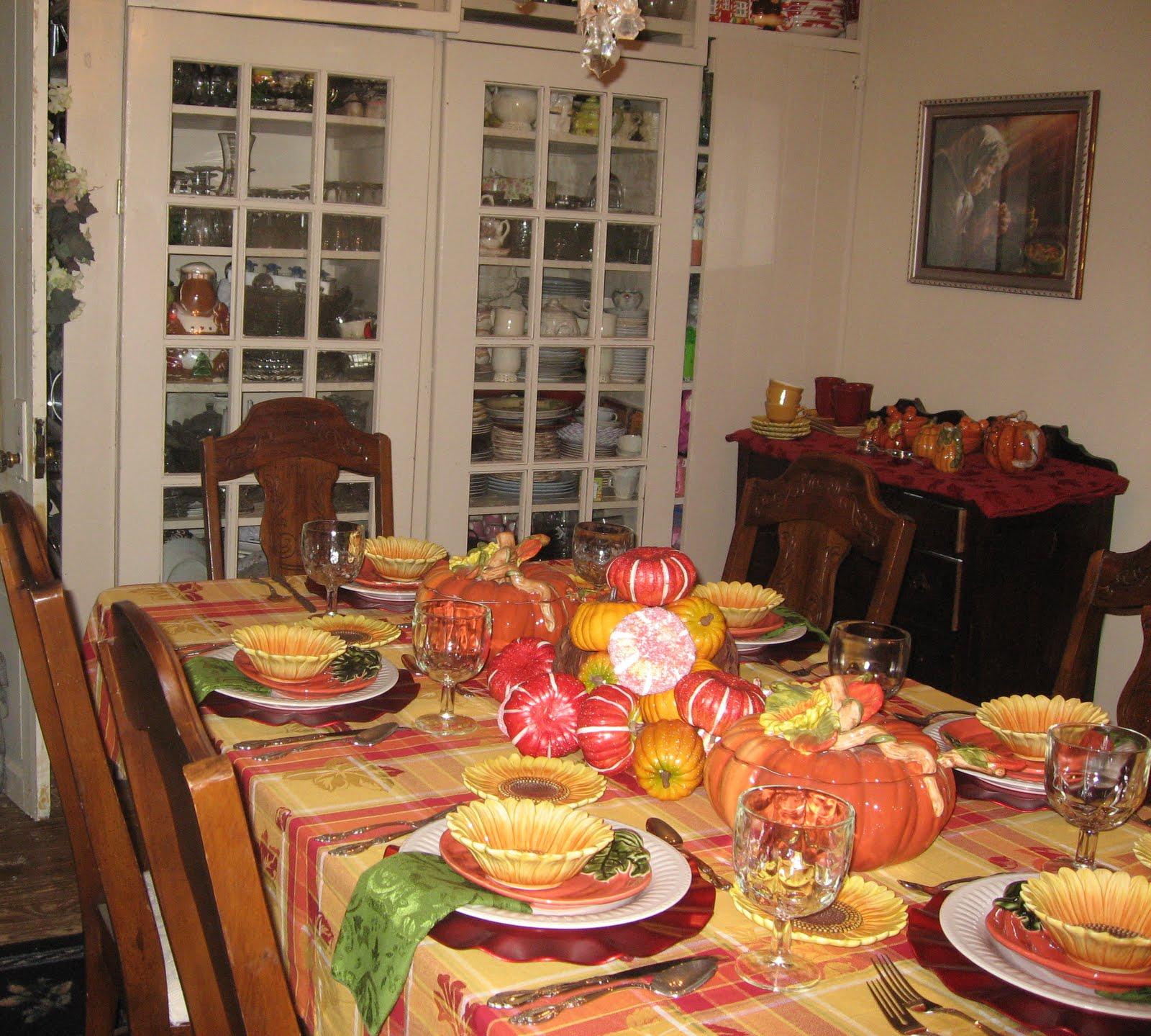 THANKSGIVING TABLESCAPE AND TEA TABLE & tea table setting | Lady Katherine Tea Parlor