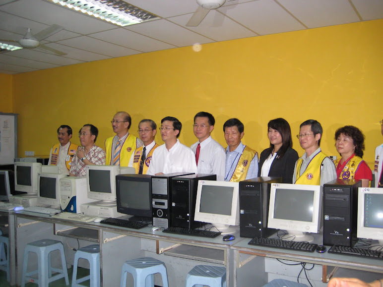 Anniversary project- presentation of 12 computers to SRJK(C) Kwang Hwa, Sg Nibong, Penang