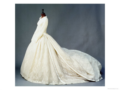 princess diana wedding gown photos. princess diana wedding dress