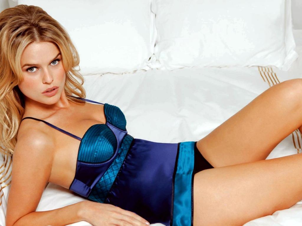 http://4.bp.blogspot.com/_5MWMBhDrwYE/TH08FLo42qI/AAAAAAAABDI/Lf0UONd-T0Y/s1600/Alice_Eve_sexy_1024+x+768.jpg