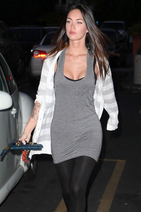 [gallery_main-0309_megan_fox_baglunch_00.jpg]