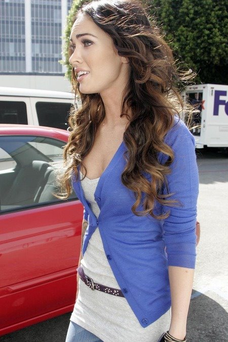 [gallery_main-0331_megan_fox_salon_07.jpg]