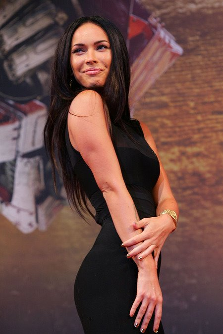 [gallery_main-0610_megan_fox_southkorea_00.jpg]