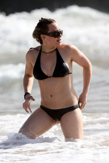 Hilary Duff Thong http://hotcelebrityhollywood.blogspot.com/2009/06/hilary-duff-in-bikini.html