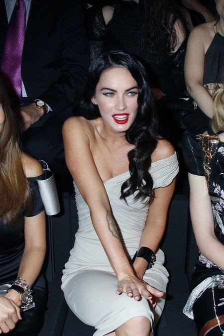 [gallery_main-0707_megan_fox_12.jpg]