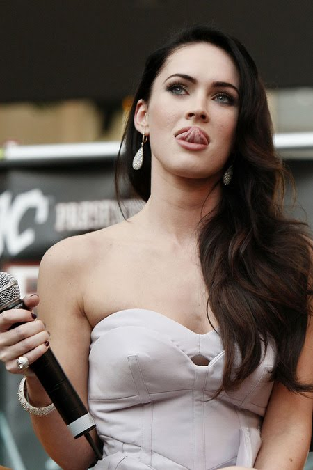 [gallery_main-0918_megan_fox_bald_02.jpg]