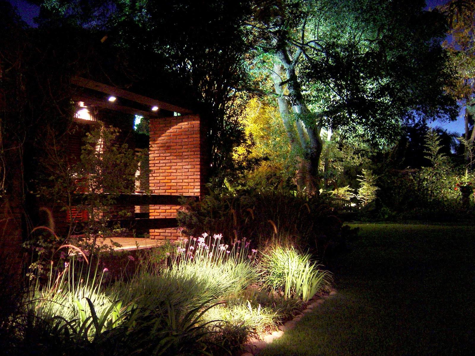 Iluminacion e p s i iluminacion de parques y jardines for Parques y jardines