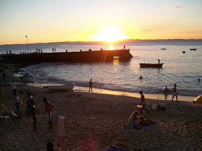 Pôr-do-sol do porto da Barra, em Salvador