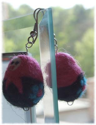 filcowane igłami kolczyki matrioszki matrioshka earrings needle felted