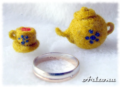 needle felted teapot and teacup