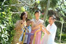 We are Yu Qian & Qi Lun