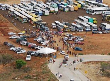vista aérea do estacionamento do santuário