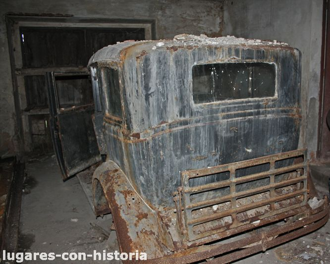 Coches abandonados en Podes(Avilés) - Página 2 IMG_7381