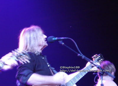 Joe Elliott (and Phil Collen) - Def Leppard - 2008