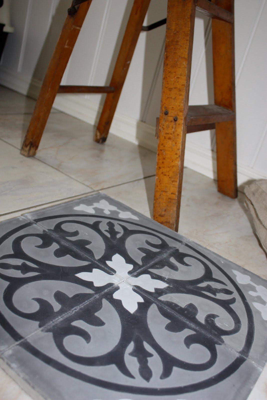 Tone nygaard: sorte eller hvite gulv?