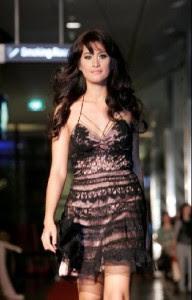 Trend pakaian wanita 2012