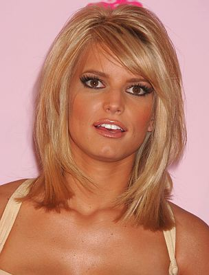 Shoulder Length Bob Hairstyle. Medium Length Wavy Hairstyles