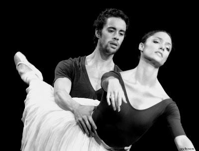 Mathias Heymann and Dorothée Gilbert in a rehearsal of Giselle. Source: Syltren.blogspot.com Copyright belongs to its respective owners.