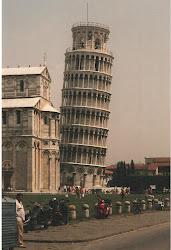 La Torre de Pisa, menos inclinada pero en pie