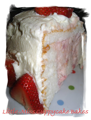 Dame Good Eats: Strawberry Cream Angel Food Cake