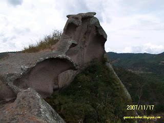 las olas en la roca, cerro de la campana