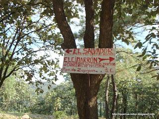 Letrero indicando comunidades indígenas