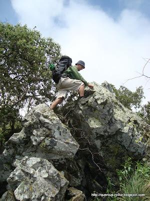 Conquistando el punto mas alto del primer picacho en el Cerro Grande de Ameca