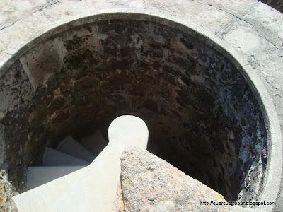 Escalera de la torre del Templo de la Santa Cruz