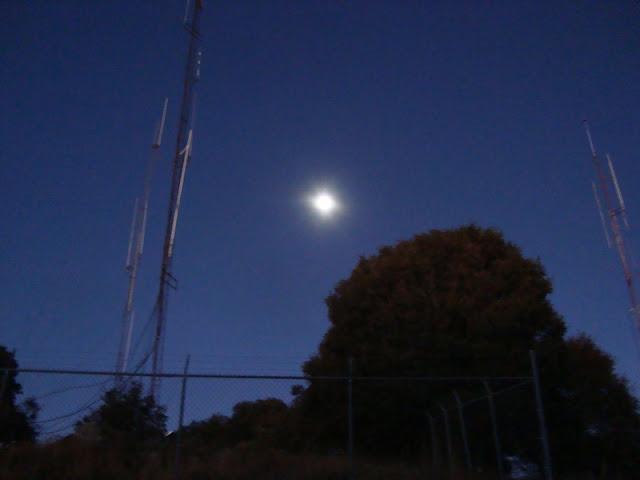 Luna en Cerro Viejo el 22 de enero de 2011 - 6:45 hrs
