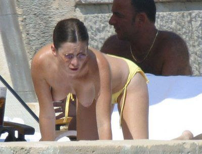 Gostoso! Can Anna friel bikini
