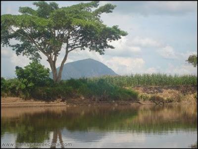 morro de calzada desde el rio mayo, moyobamba
