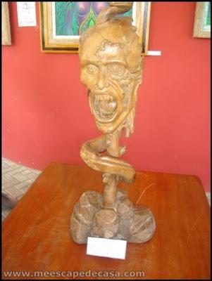 tallado en madera en el xiv festival de la orquidea 2009, moyobamba