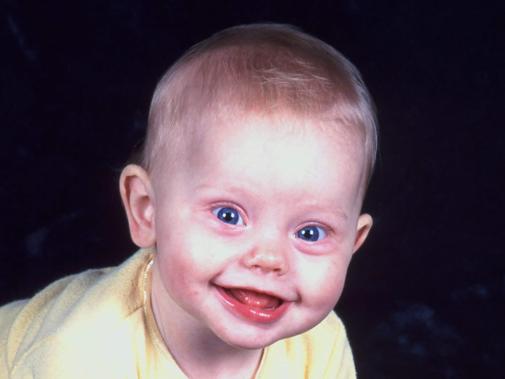 http://4.bp.blogspot.com/_5eckU89dK20/TPs3_Z47-WI/AAAAAAAABNI/CPtiYNUU1Dw/s1600/baby-wallpaper-1024x768-1002039.jpg