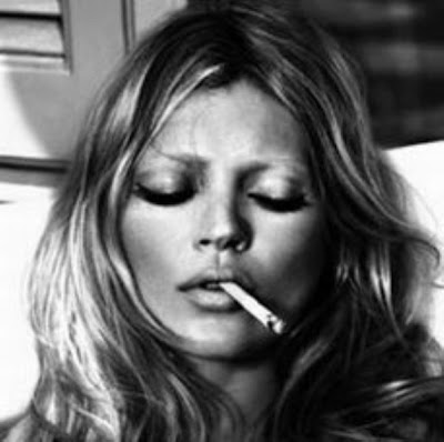 kate moss smoking louis vuitton. Kate+moss+smoking+runway