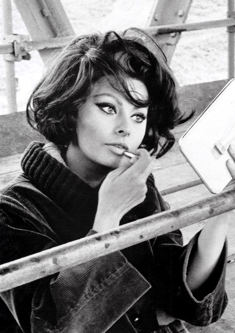 sophia loren1 Makeup Forever Rouge Artist Intense in #22 (matte nude. extremely nude.)