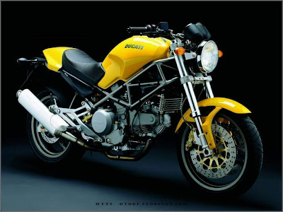Ducati Monster 600 CC