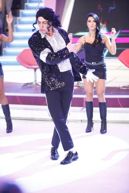 Rodrigo Faro Dançando Michael Jackson